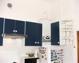 Kuchnia przed i po montażu kotła – GENUS PREMIUM EVO 24 FF – dwufunkcyjny –